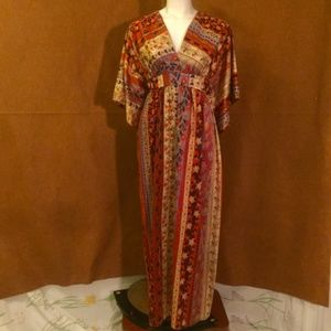 VINTAGE 70s Velvet Floral Dress w Kimono Sleeves